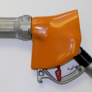 Gas nozzle hand protector